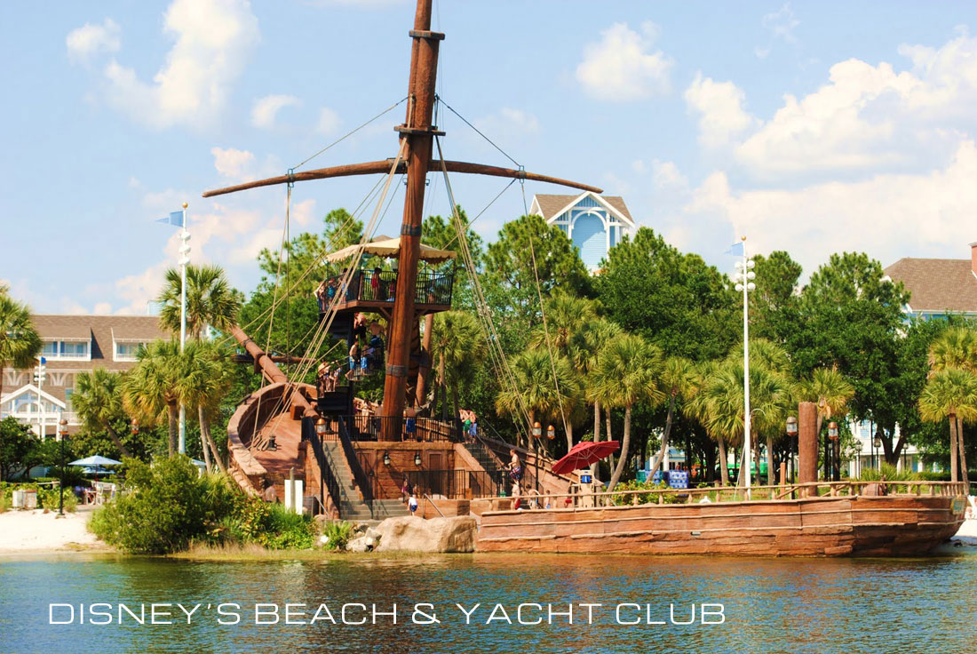 01Yacht-Club-13-ship-on-the-bay