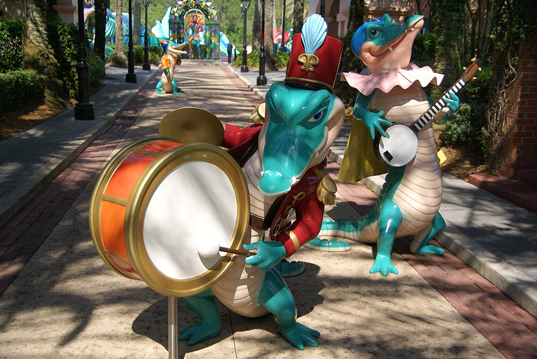 02Disneys-Port-Orleans-French-Quarter_Full_Aligator-Musicians