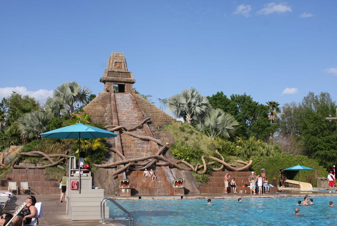 03Coronado-Springs-Pool-across-water