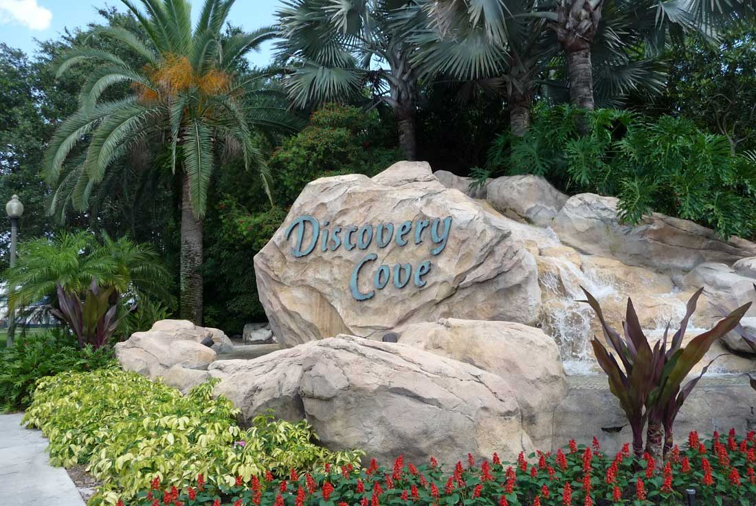 09Welcome-to-Discovery-Cove-Sign